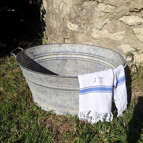 Grande bassine ancienne en zinc brocanteandco - Deco bassine en zinc toulon ...