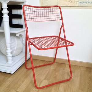 chaise metal rouge