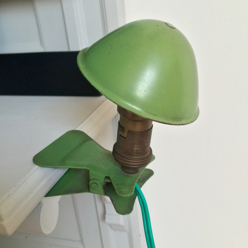 lampe champignon pince verte brocanteandco boutique. Black Bedroom Furniture Sets. Home Design Ideas