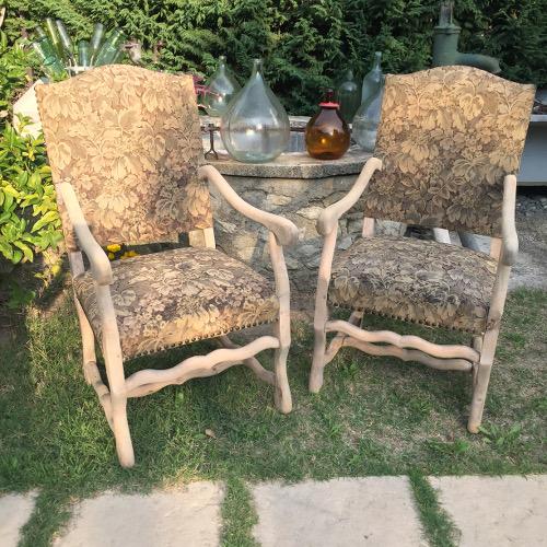 Décapage d'une paire de fauteuils style Louis XIII