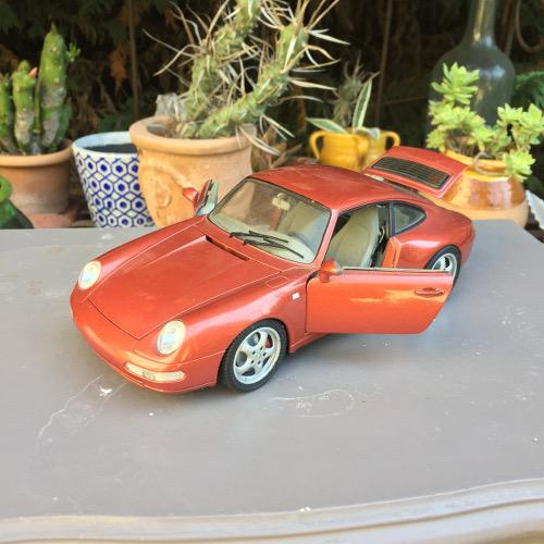 Décapage maquette de voiture