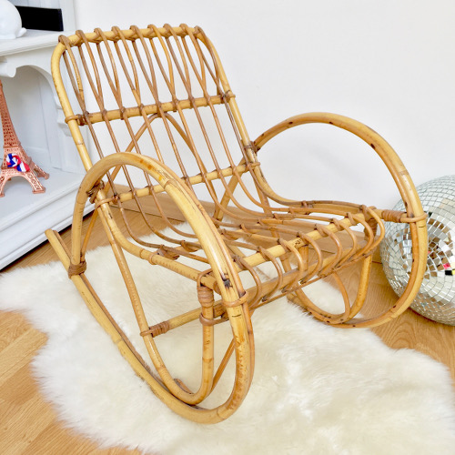 rocking chair rotin enfant brocanteandco boutique en ligne de brocante. Black Bedroom Furniture Sets. Home Design Ideas