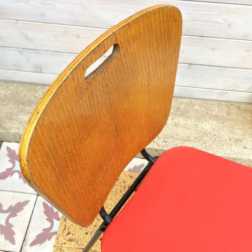Chaise vintage rouge et bois