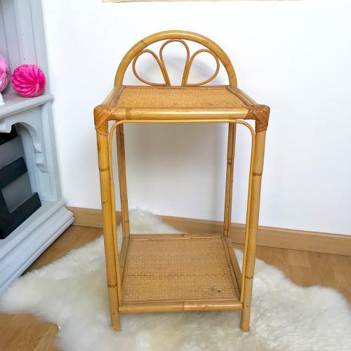 chevet en rotin brocanteandco boutique en ligne de brocante. Black Bedroom Furniture Sets. Home Design Ideas