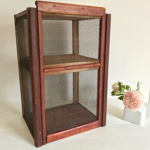 garde manger brocanteandco boutique en ligne de brocante. Black Bedroom Furniture Sets. Home Design Ideas