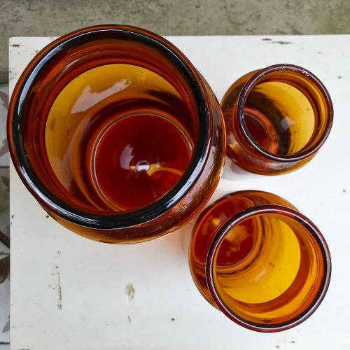 Pots de pharmacie ambrés