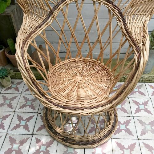 Grand fauteuil en osier