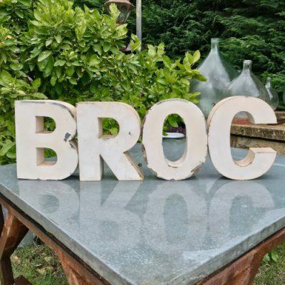 Lettre d'enseigne BROC