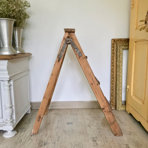 Escabeau en bois