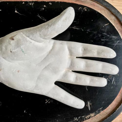 Moulage d'une main