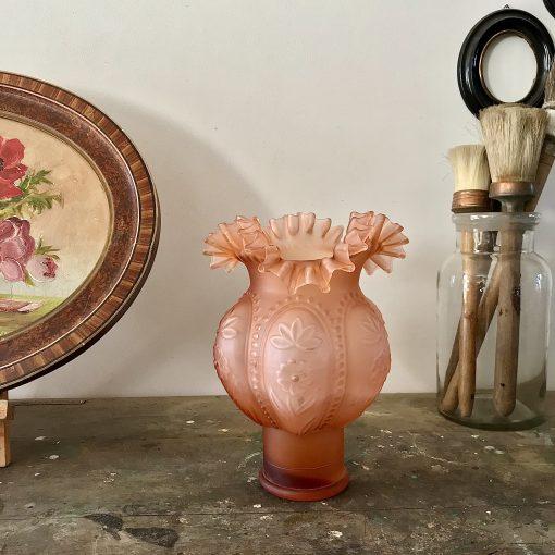 Vase à collerette rose