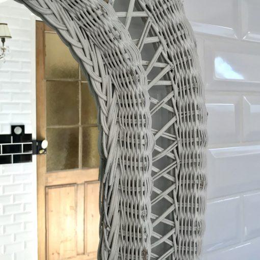 Miroir en osier blanc